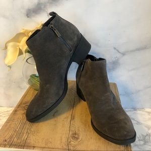 Kenneth Cole Dara Gray Suede Ankle Boots 8.5